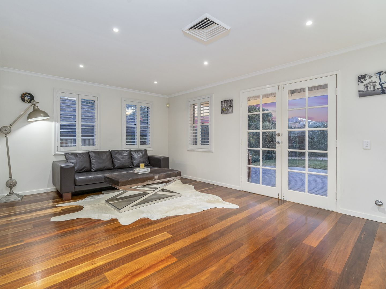 18 Richard Cres, Cecil Hills NSW 2171, Image 2