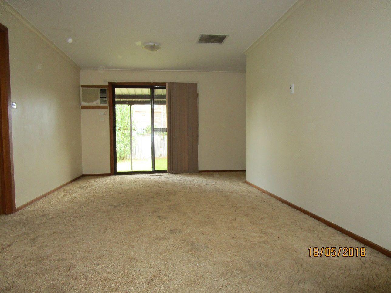 13 Pindari  Avenue, Taylors Lakes VIC 3038, Image 2