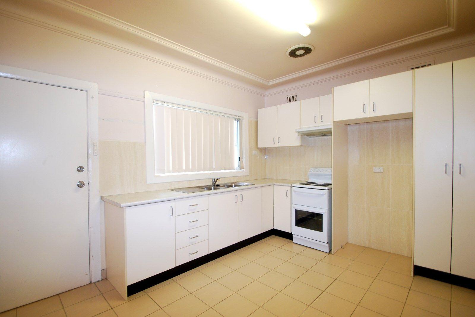 12 Thomas Street, Fairfield NSW 2165, Image 1