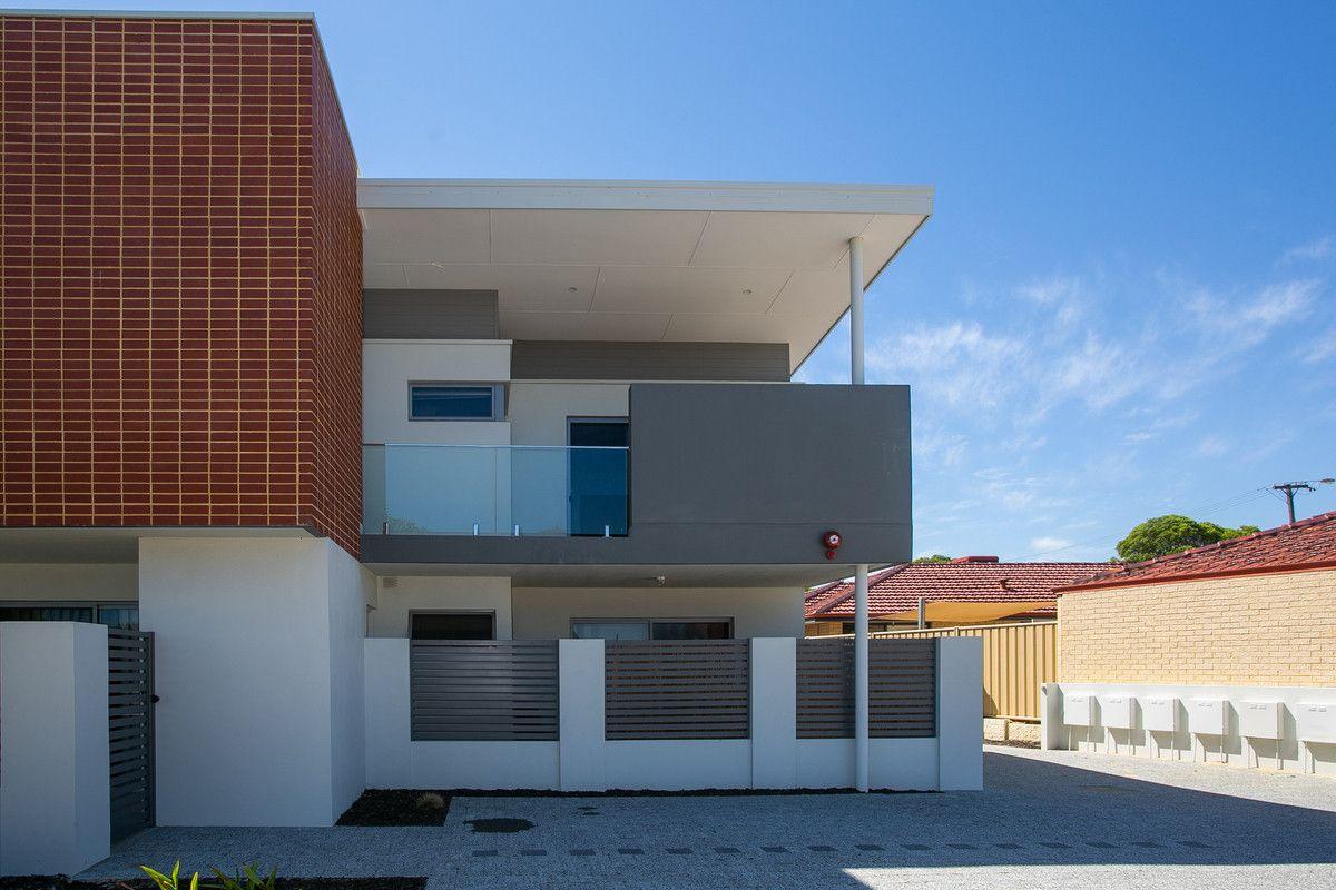 2/404 Flinders Street, Nollamara WA 6061, Image 0