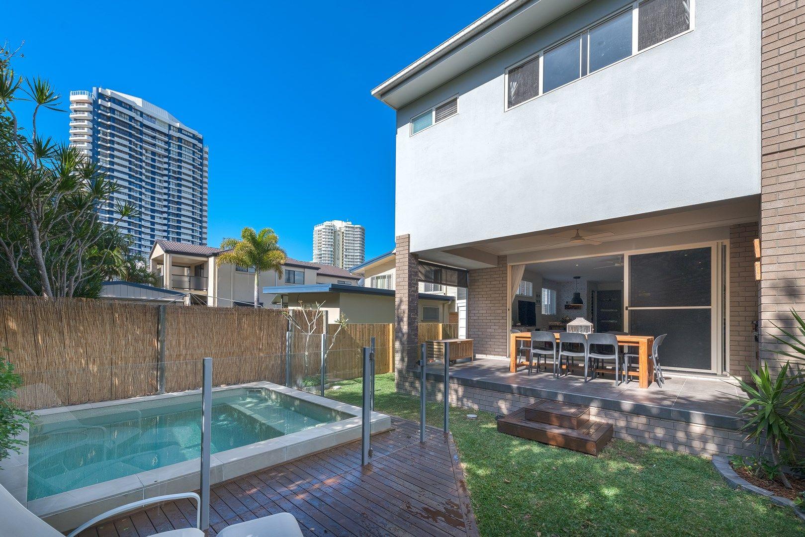 2/15 Broadwater Street, Runaway Bay QLD 4216, Image 0