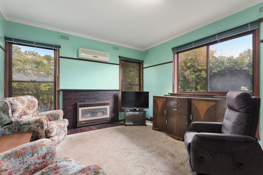 8 Richmond Street, Colac VIC 3250, Image 2