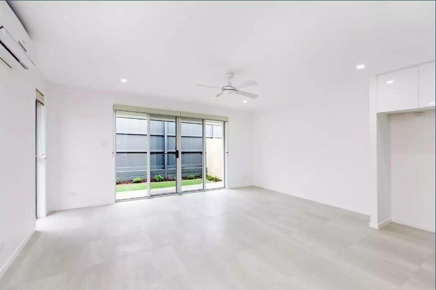 2/48 Meredith Crescent, Baringa QLD 4551, Image 2