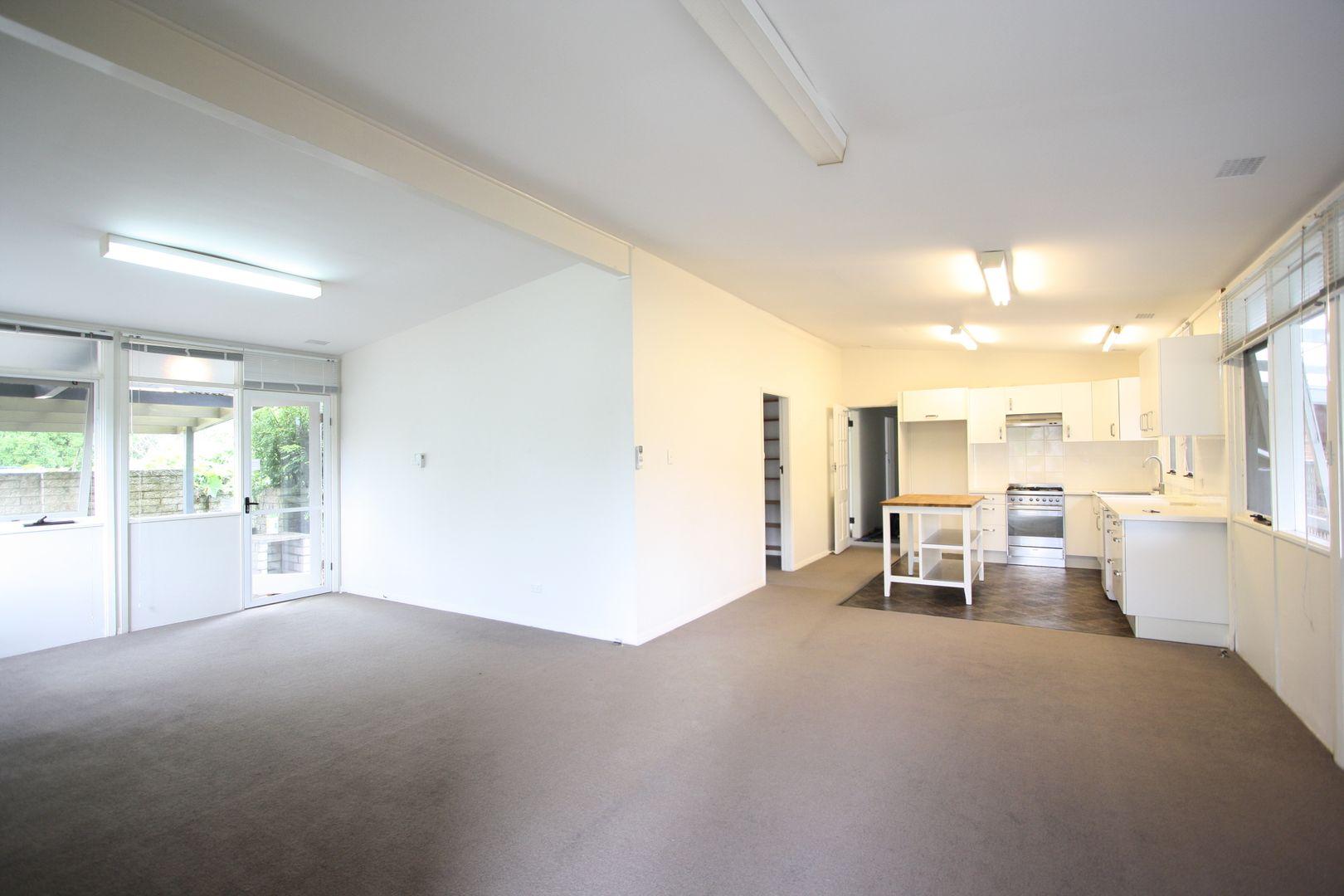 613a Warringah Road, Forestville NSW 2087, Image 0