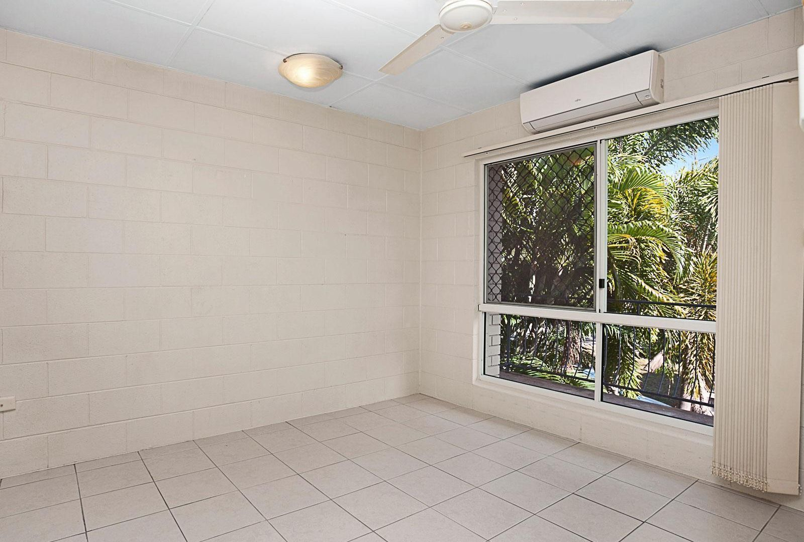 4/39 Armstrong Street, Hermit Park QLD 4812, Image 2
