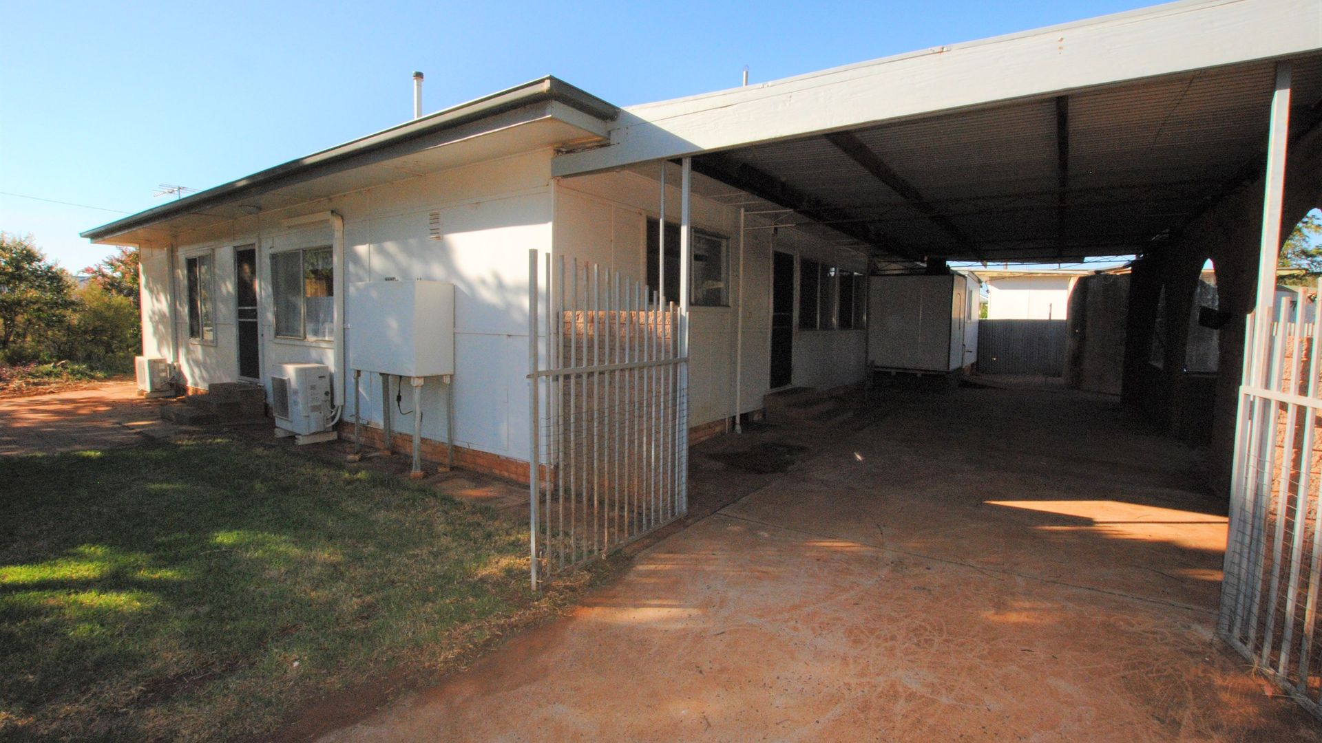26 STIPA STREET, Goolgowi NSW 2652, Image 1