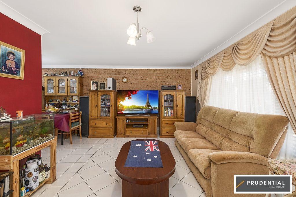 17/21 Lagonda drive, Ingleburn NSW 2565, Image 1