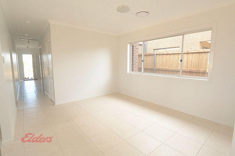 34 Elizabeth McRae Ave, Minto NSW 2566, Image 2