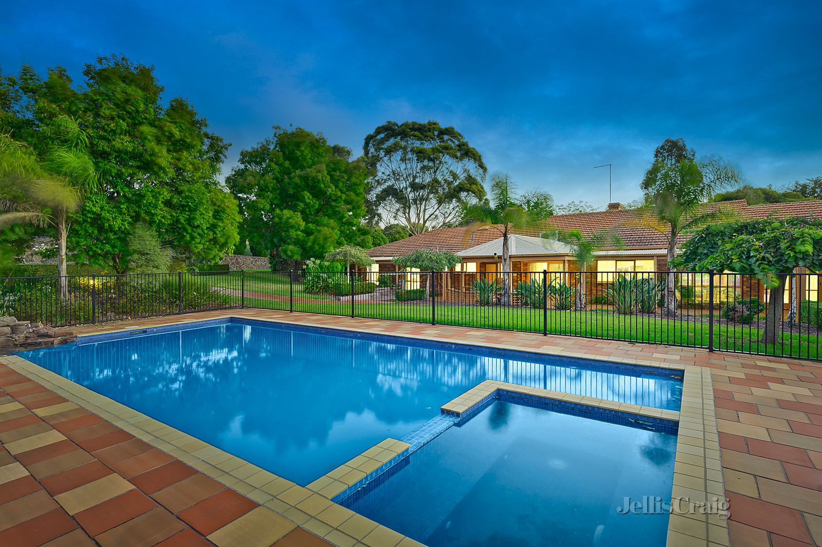 2 Hermann Court, Templestowe VIC 3106, Image 0