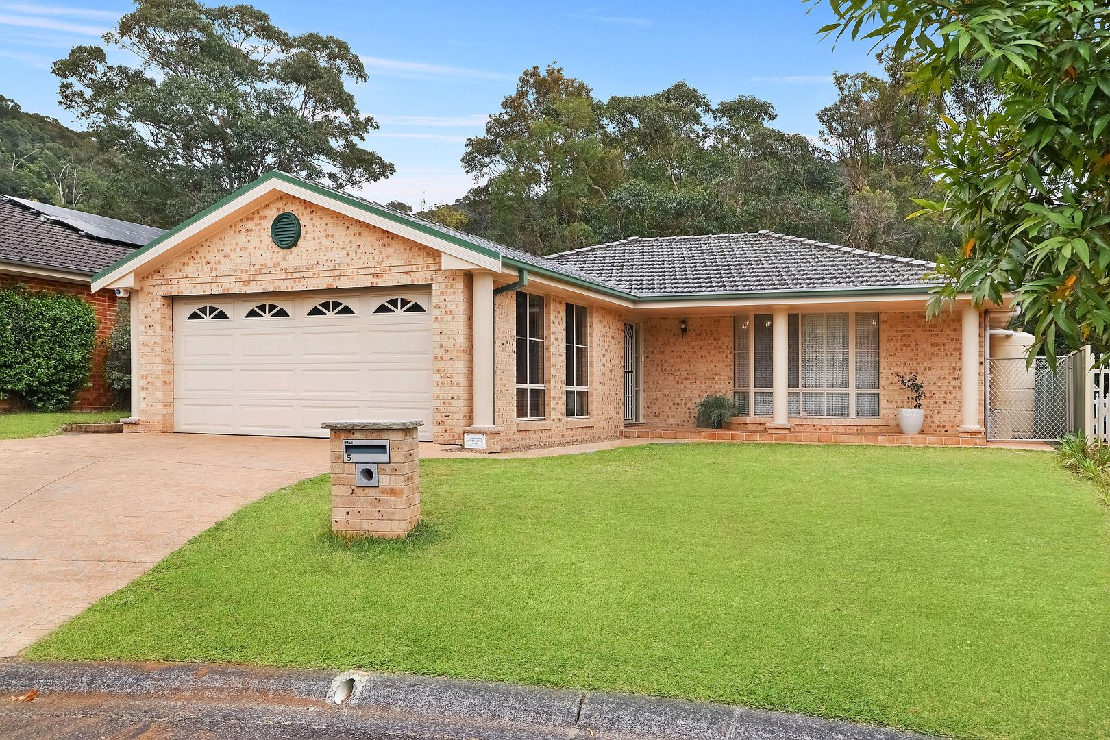 5 Finch Place, Point Clare NSW 2250, Image 0