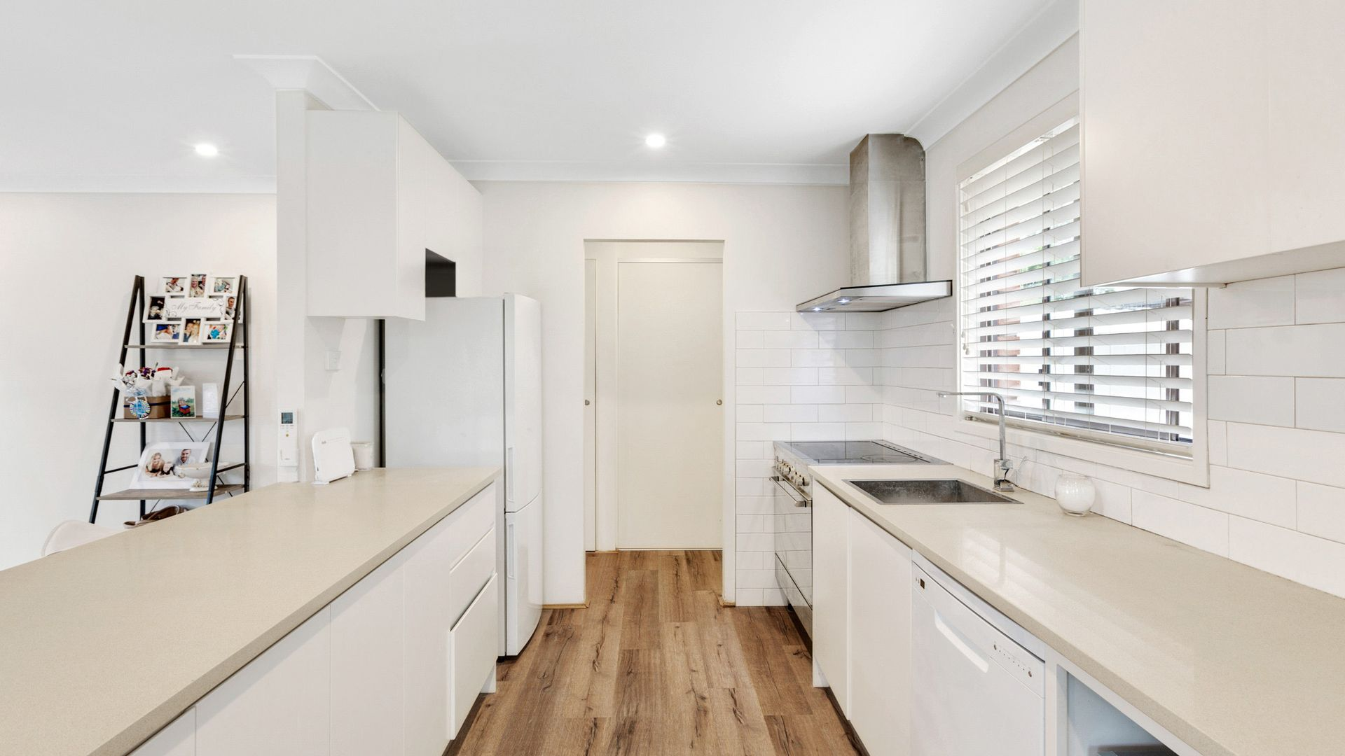 84 Vales Road, Mannering Park NSW 2259, Image 1