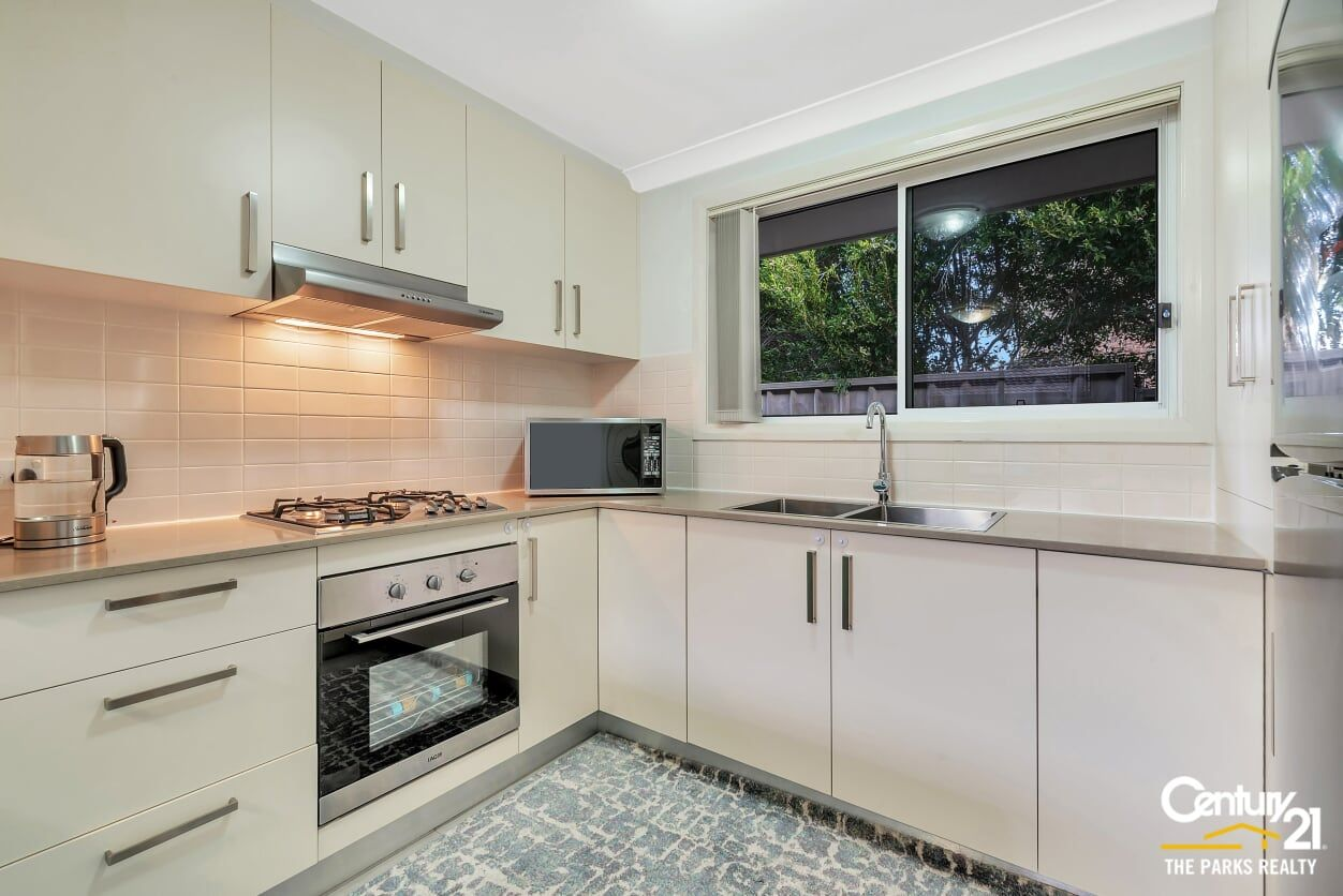 5a Mersey Close, Bossley Park NSW 2176, Image 2