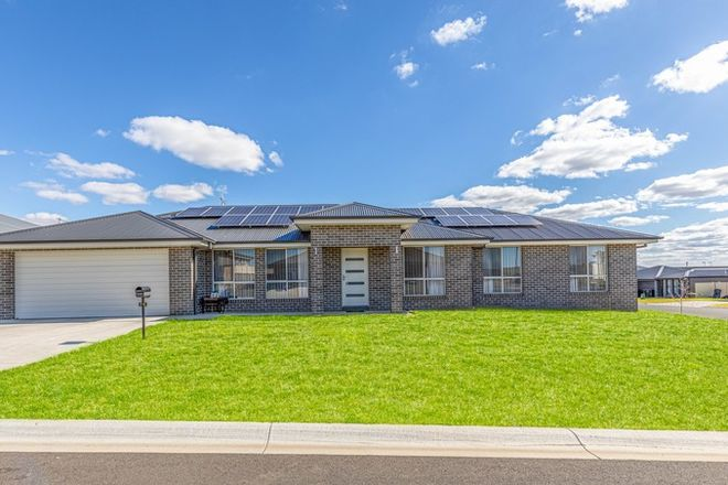 Picture of 70 Basalt Way, KELSO NSW 2795
