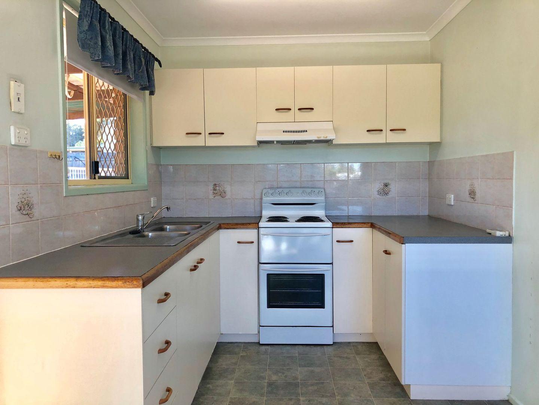4 Abel Tasman Court, Rural View QLD 4740, Image 2