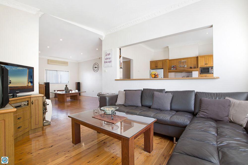 27 Jutland Avenue, Wollongong NSW 2500, Image 0