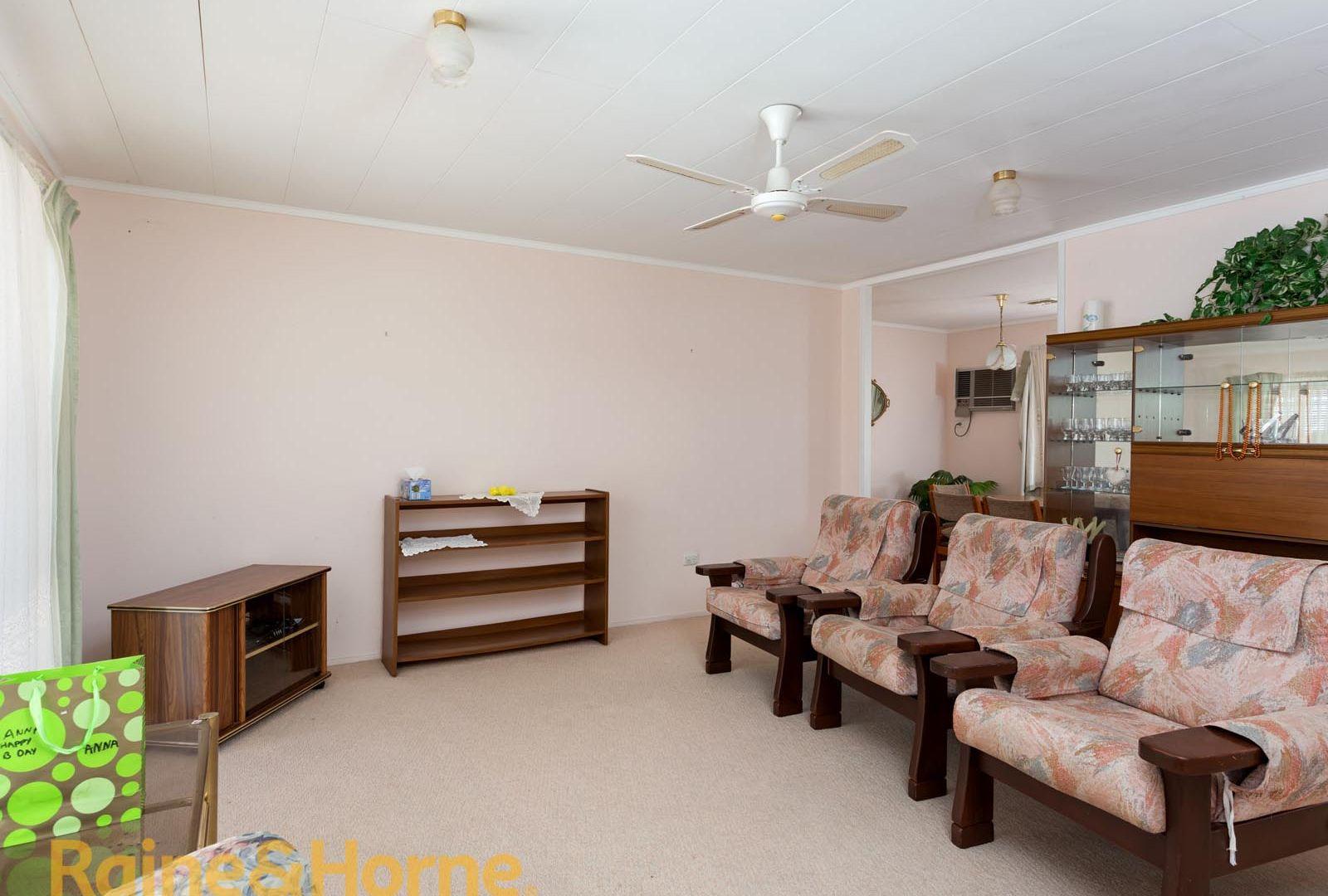 3 Indi Place, Kooringal NSW 2650, Image 1
