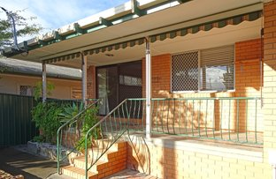 Picture of 52 Ridgeway Avenue, Southport QLD 4215
