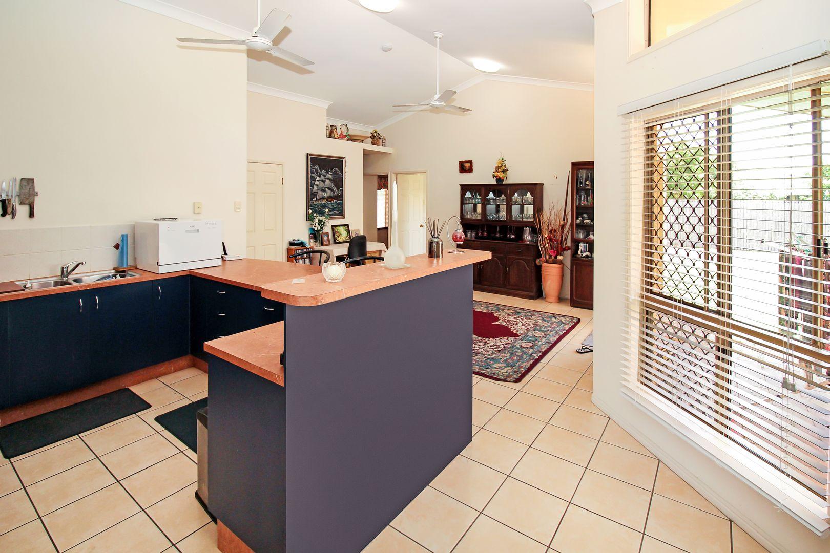 7 Atherton Circuit, Kirwan QLD 4817, Image 2