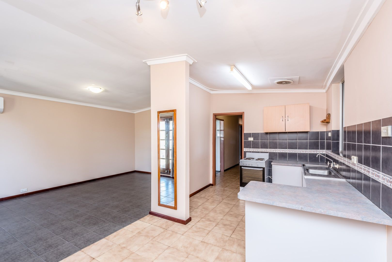 76 Dorothy Street, Geraldton WA 6530, Image 2