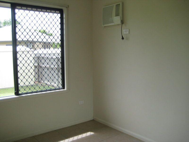 18 Greentree Circuit, Bushland Beach QLD 4818, Image 2