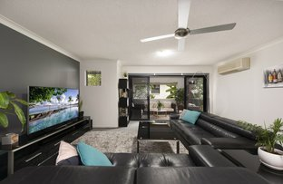 Picture of 2/15 Kitchener Street, Coorparoo QLD 4151
