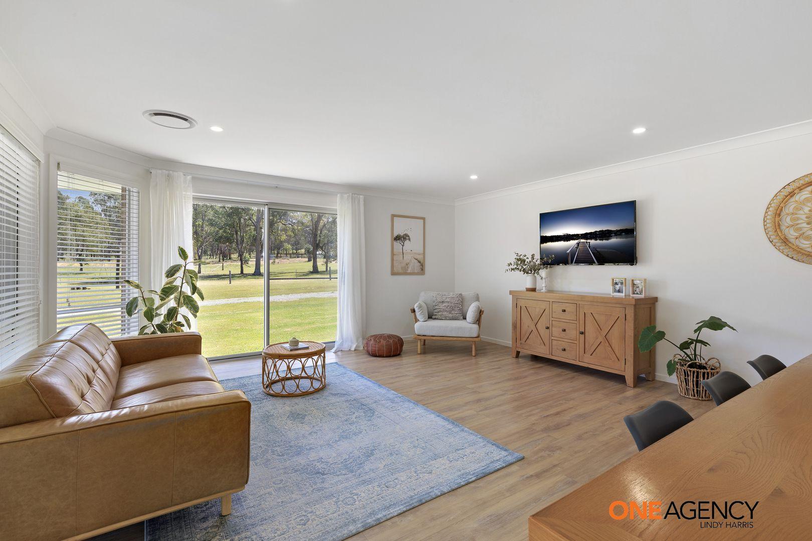 223 Robertson Circuit, Singleton NSW 2330, Image 2