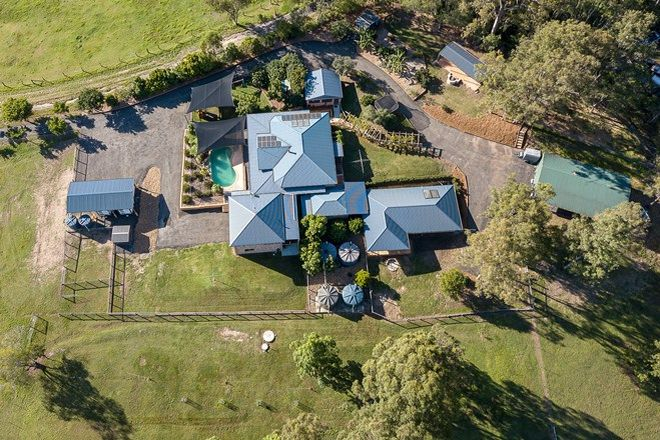 Picture of 112 Halls Road, LUSCOMBE QLD 4207