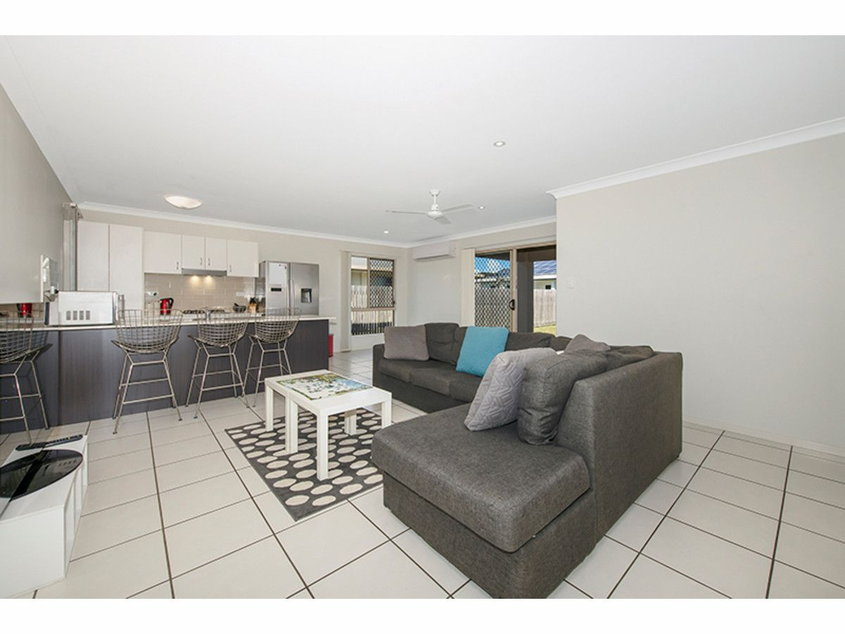 27 Ellenor Street, Mount Low QLD 4818, Image 2