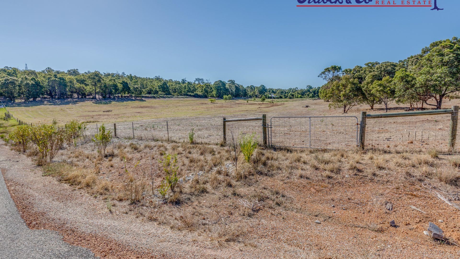 79 Suneca Road, Martin WA 6110, Image 2