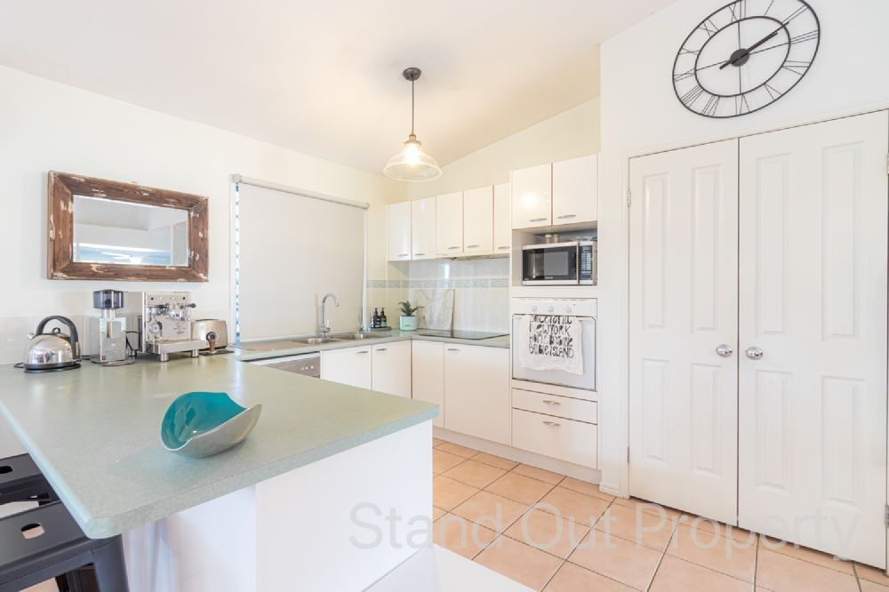 22 Smout Court, Sandstone Point QLD 4511, Image 1