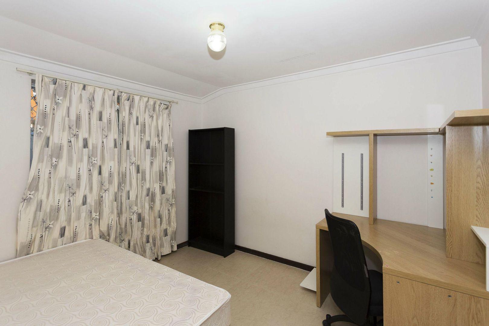 Room 2/19 Dewey Street, Shelley WA 6148, Image 1