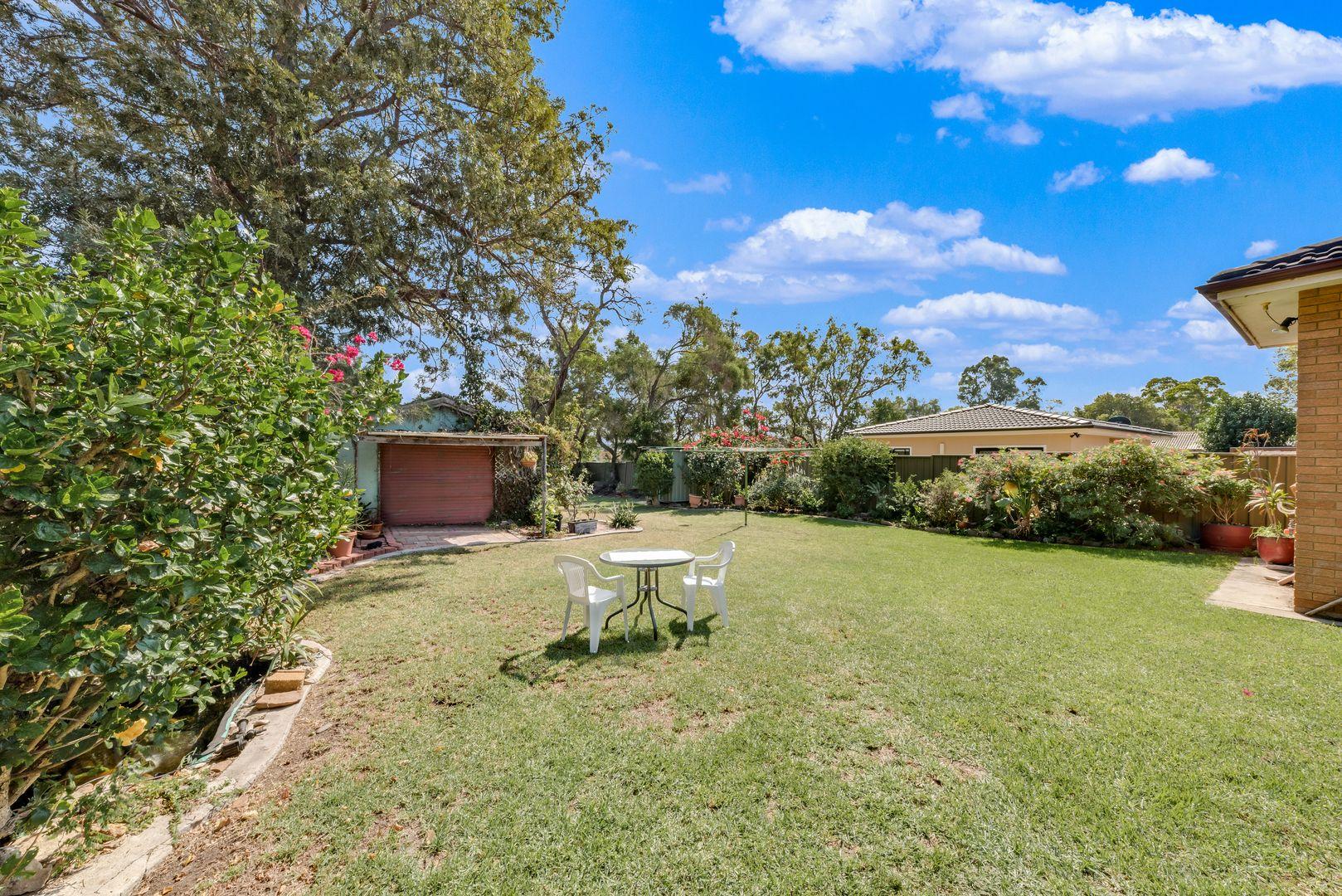 12 Parkland Avenue, Macquarie Fields NSW 2564, Image 2