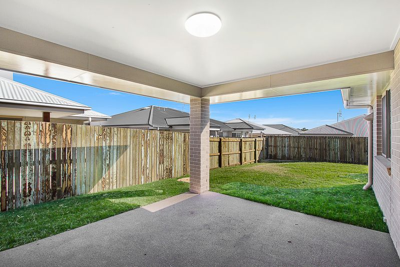 38 Shelby Street, Glenvale QLD 4350, Image 10