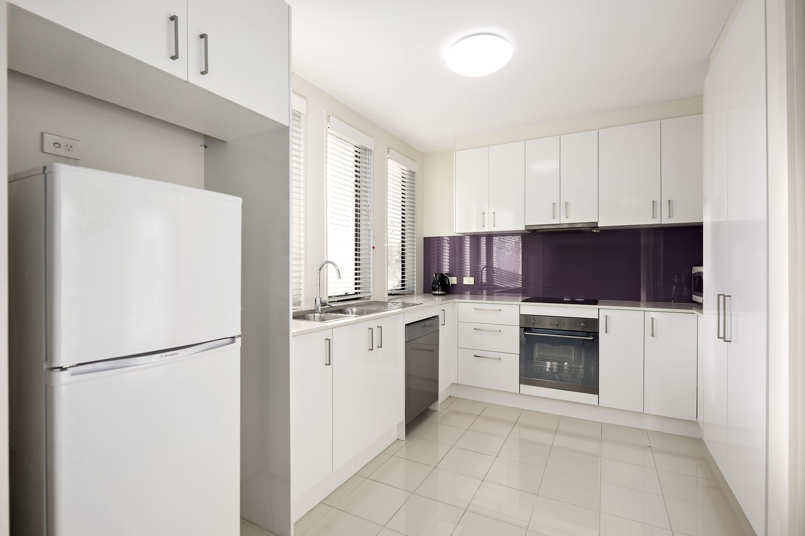 201/1136 Whitehorse Road, Box Hill VIC 3128, Image 2