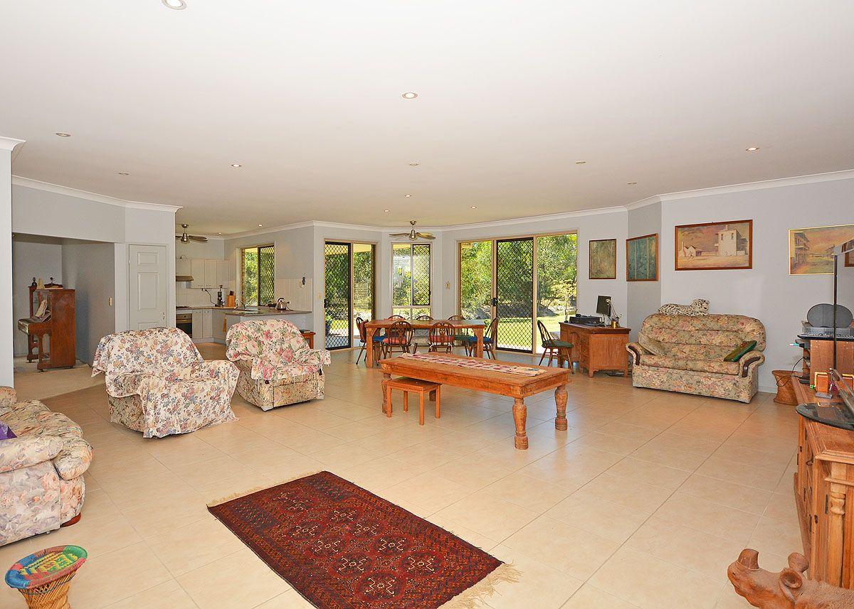 19 Burralong Drive, Wondunna QLD 4655, Image 1
