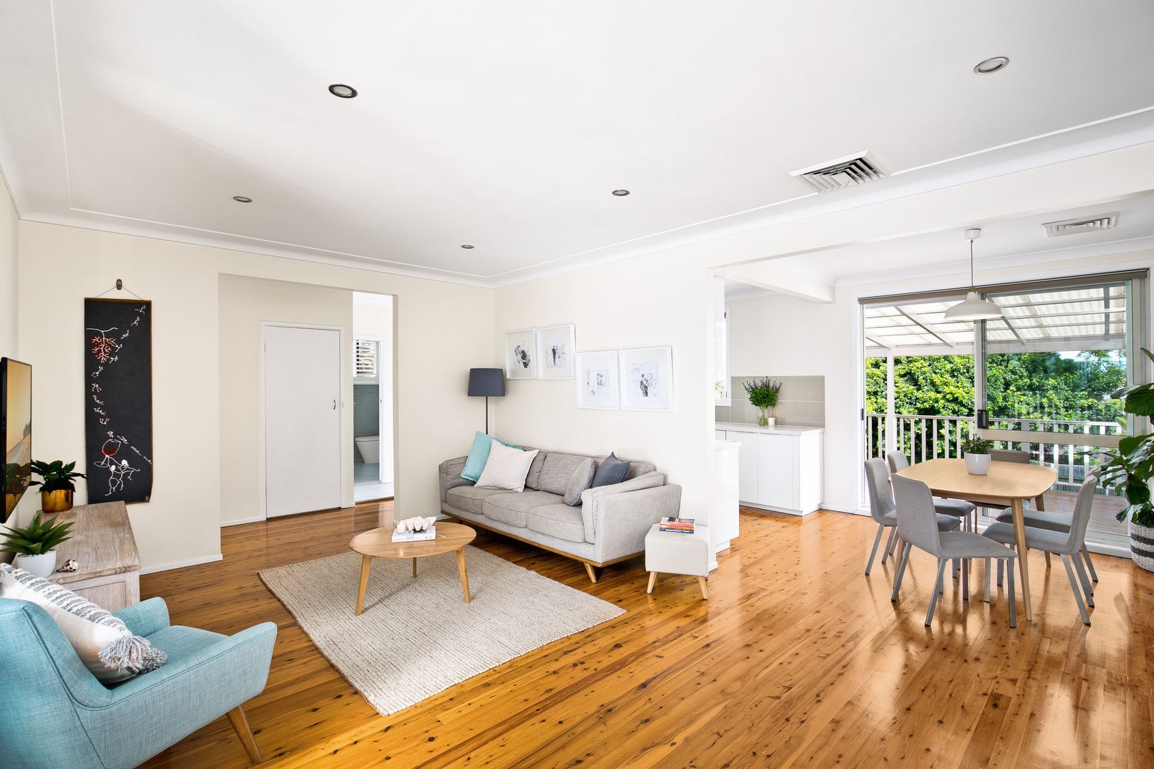 16 Brooker Avenue, Beacon Hill NSW 2100, Image 2