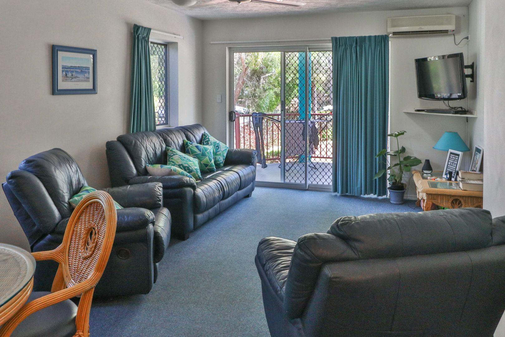 1/396 Esplanade, Torquay QLD 4655, Image 0