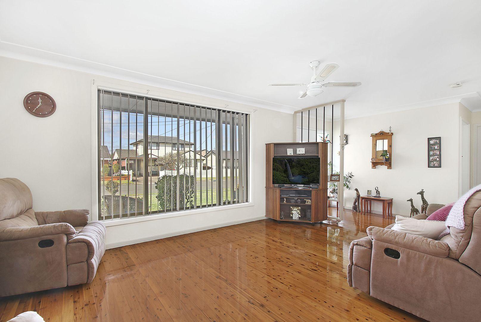 16 Hemingway Crescent, Fairfield NSW 2165, Image 1