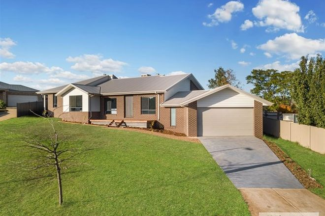 Picture of 13 Crimmins Way, KILMORE VIC 3764