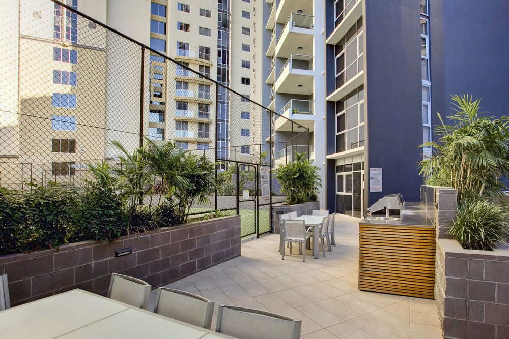 272 Mantra On The Quay 30 Macrossan Street, Brisbane City QLD 4000, Image 1
