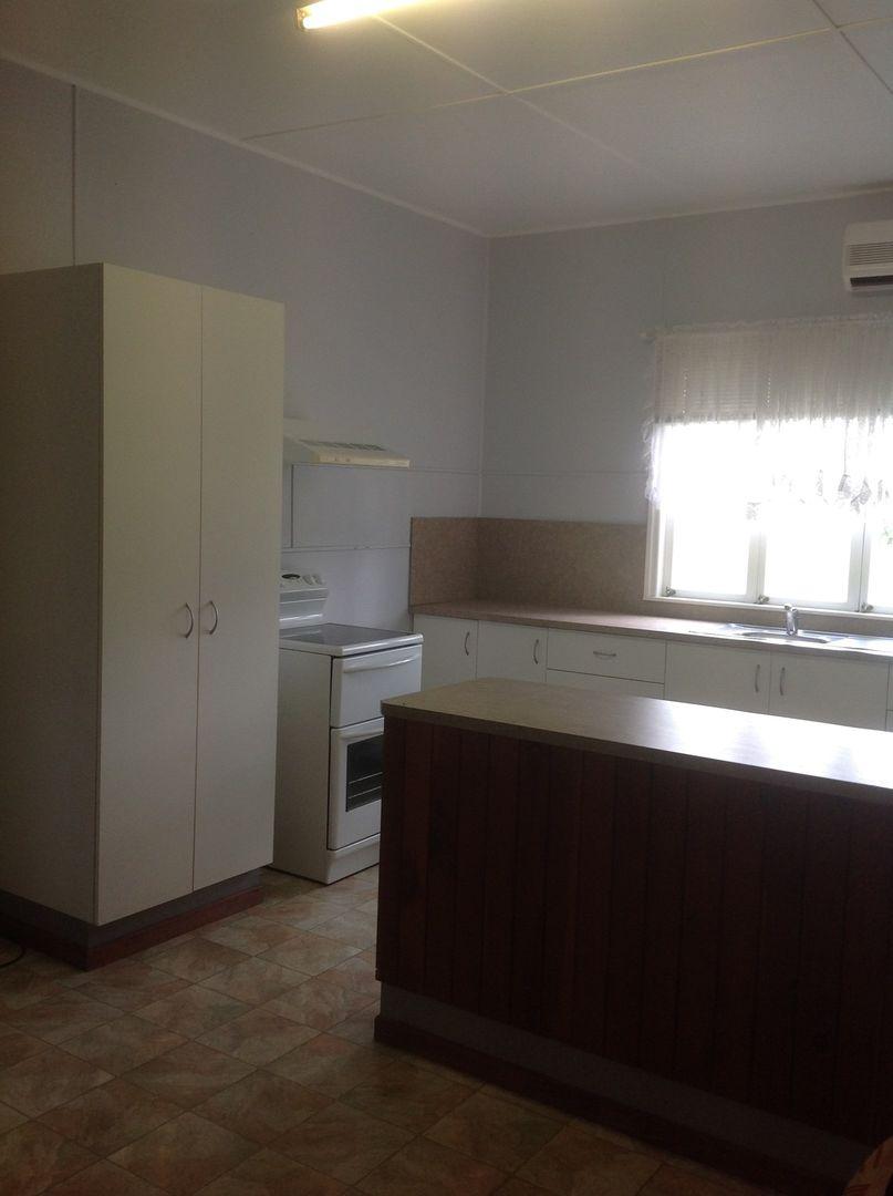 1 Frederick Street, Eidsvold QLD 4627, Image 2