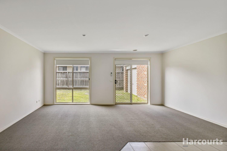 14 Robusta Avenue, Cranbourne VIC 3977, Image 2