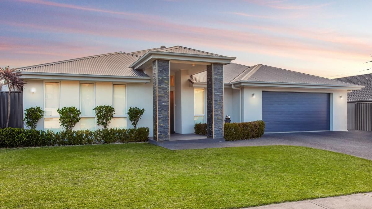 92 Dalmeny Drive, Macquarie Hills NSW 2285, Image 0
