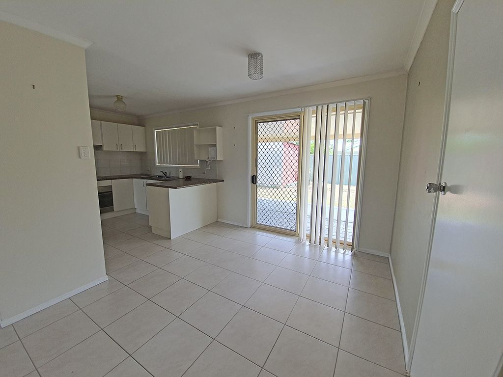 10 Crestwell Close, Morayfield QLD 4506, Image 2