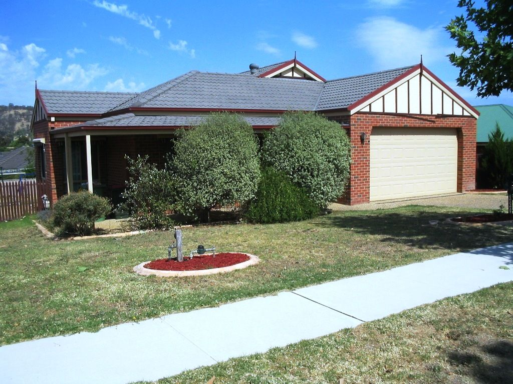 10 Whernside Drive, Wodonga VIC 3690, Image 0