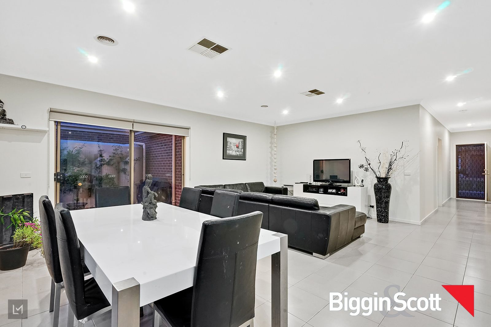 19 Leuca Ave, Brookfield VIC 3338, Image 2