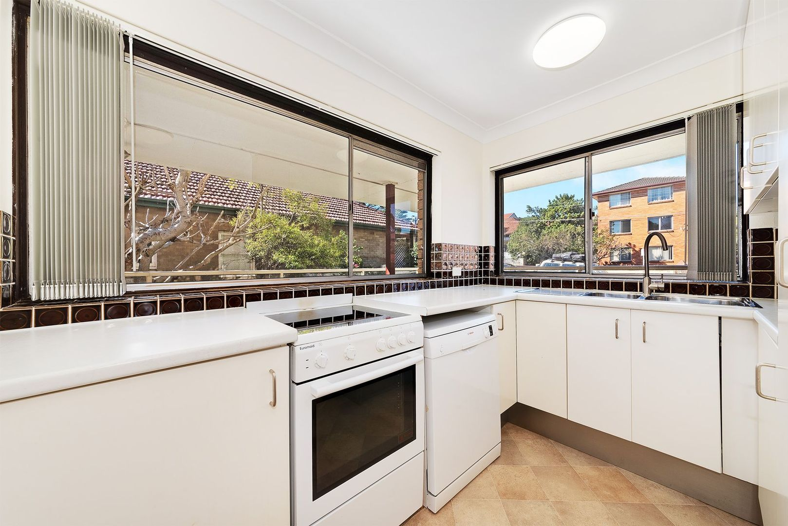1/7 Linsley Street, Gladesville NSW 2111, Image 1