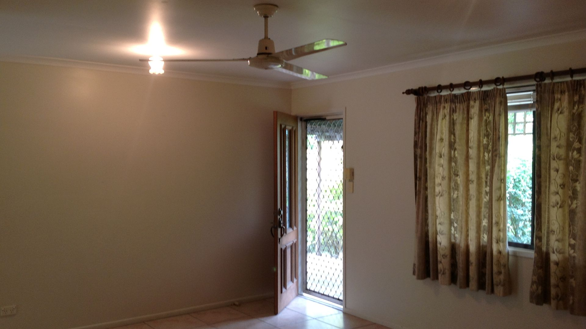4 Figtree Court, Eimeo QLD 4740, Image 2