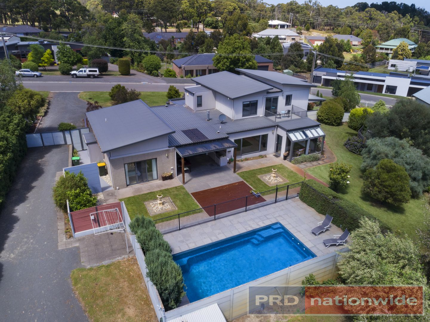 27 Gracefield Drive, Brown Hill VIC 3350, Image 2