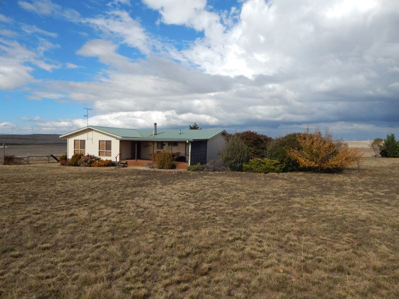 174 Old Dangelong Road, Cooma NSW 2630, Image 2